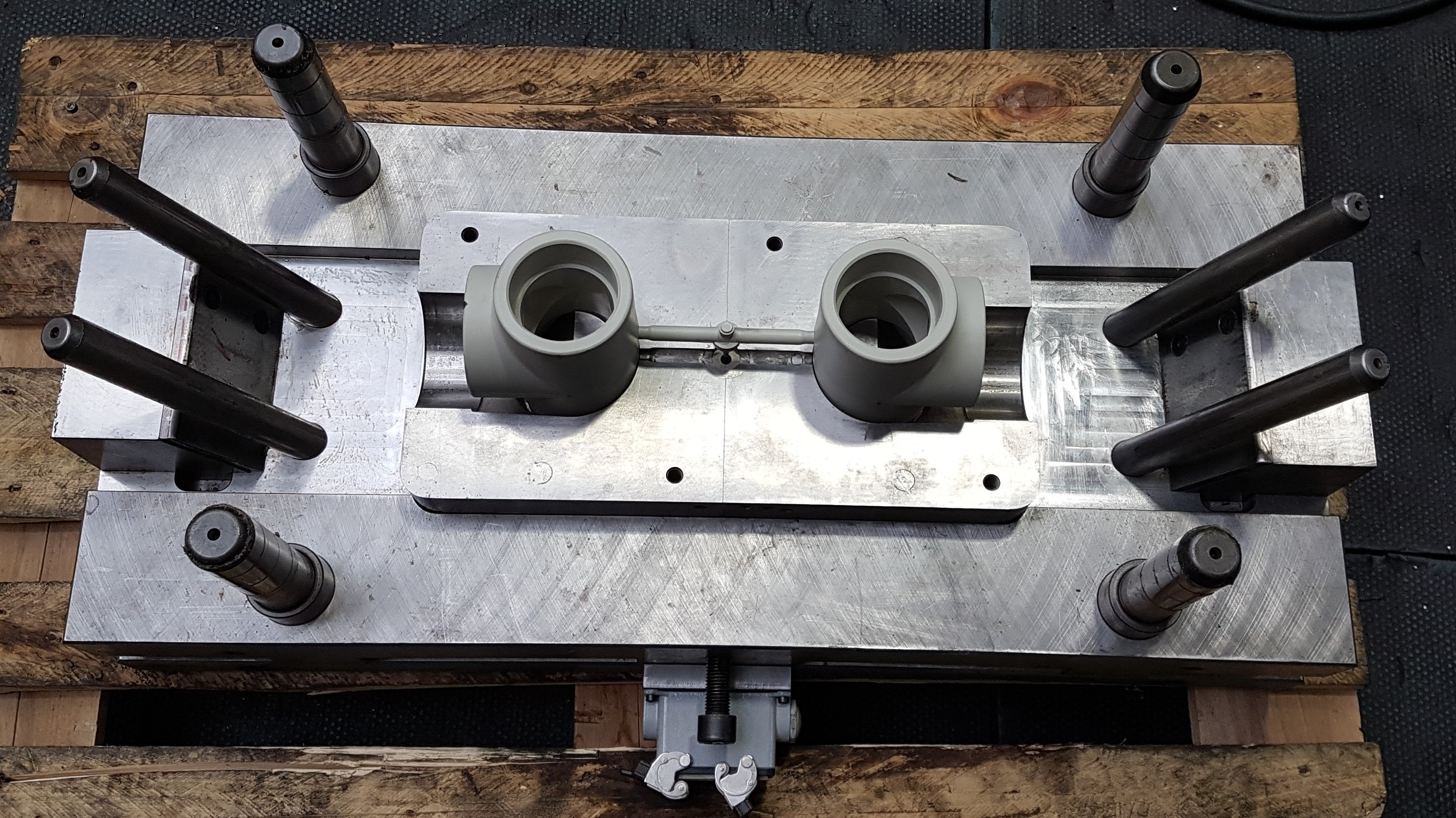 Moulds for plastics and aluminium